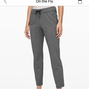 Lululemon On The Fly Pant size 6